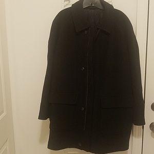 Men Heavy Winter Coat.    Insulated